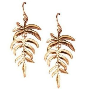 Avon Dangle Palm Leaf Earrings